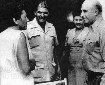"Fangio with his ""friendly kidnappers"""